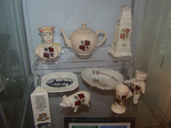 Alresford crested miniature china